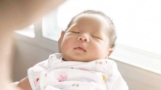 Seperti Ini Cara Mengatur Jadwal Tidur Bayi
