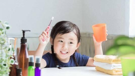 Tips agar si Kecil Mau Sikat Gigi