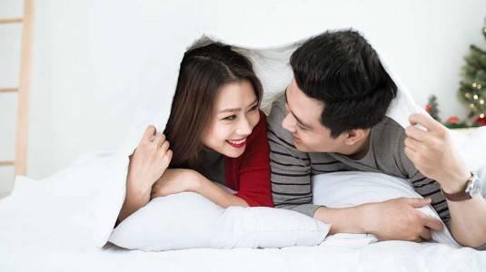 Tetap Romantis dengan Pasangan Setelah Kehadiran si Kecil