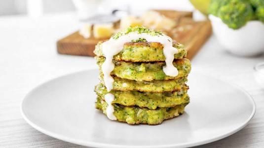 MPASI Anak Alergi: Pancake Oat Broccoli