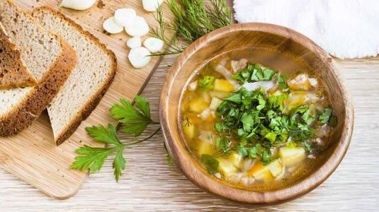 Jenis Makanan Seperti Apa yang Baik Dikonsumsi Ibu Menyusui?