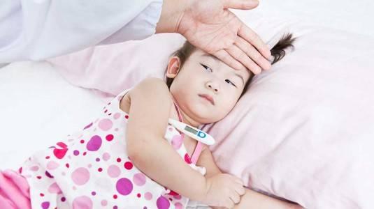 Sudah Tepatkah Dosis Paracetamol yang Moms Berikan?