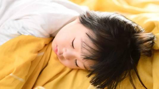 Si Kecil Menolak Tidur Siang? Ini Solusinya