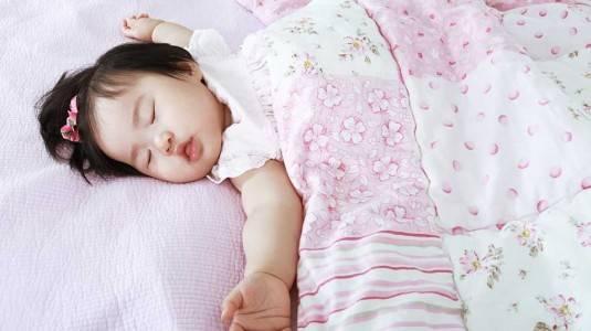 Cara Mudah Membantu si Kecil Tertidur