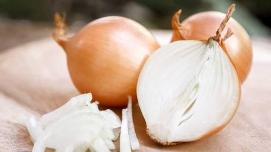 Mencegah Penularan Flu dengan Irisan Bawang Merah