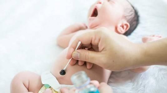 Ciri-Ciri Infeksi pada Tali Pusat Newborn dan Cara Merawatnya