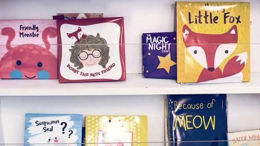 Kenalkan Buku pada Anak Sedini Mungkin