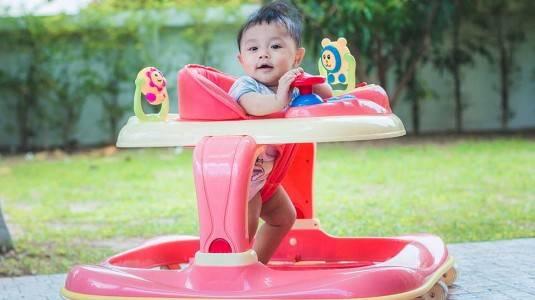 Pengalaman Menggunakan Baby Walker untuk Anak