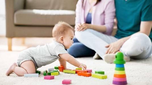 Mainan yang Baik untuk Anak Usia 0-12 Bulan